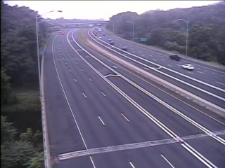 Traffic Cam CAM 11 Manchester I-84 EB Exit 60 - Rt. 6 & 44 (Middle Tpke. W.) - Eastbound