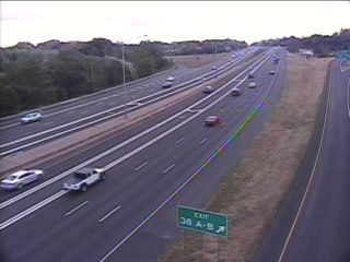Traffic Cam CAM 68 Windsor I-91 SB Exit 38 A/B - N/O Rt. 75 (Poquonock Ave.) - Southbound
