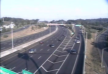 Traffic Cam CAM 79 New Haven I-95 NB Exit 50 - Fulton Ter. - Northbound