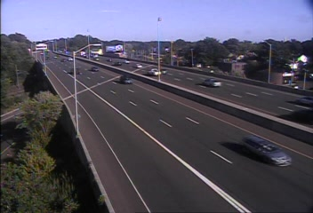 Traffic Cam CAM 80 East Haven I-95 SB Exit 51 - Rt. 1 (Frontage Rd.) - Southbound
